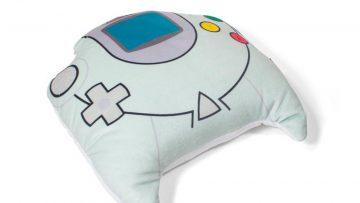 sega-dreamcast-controller-pillow-01_1000x.progressive